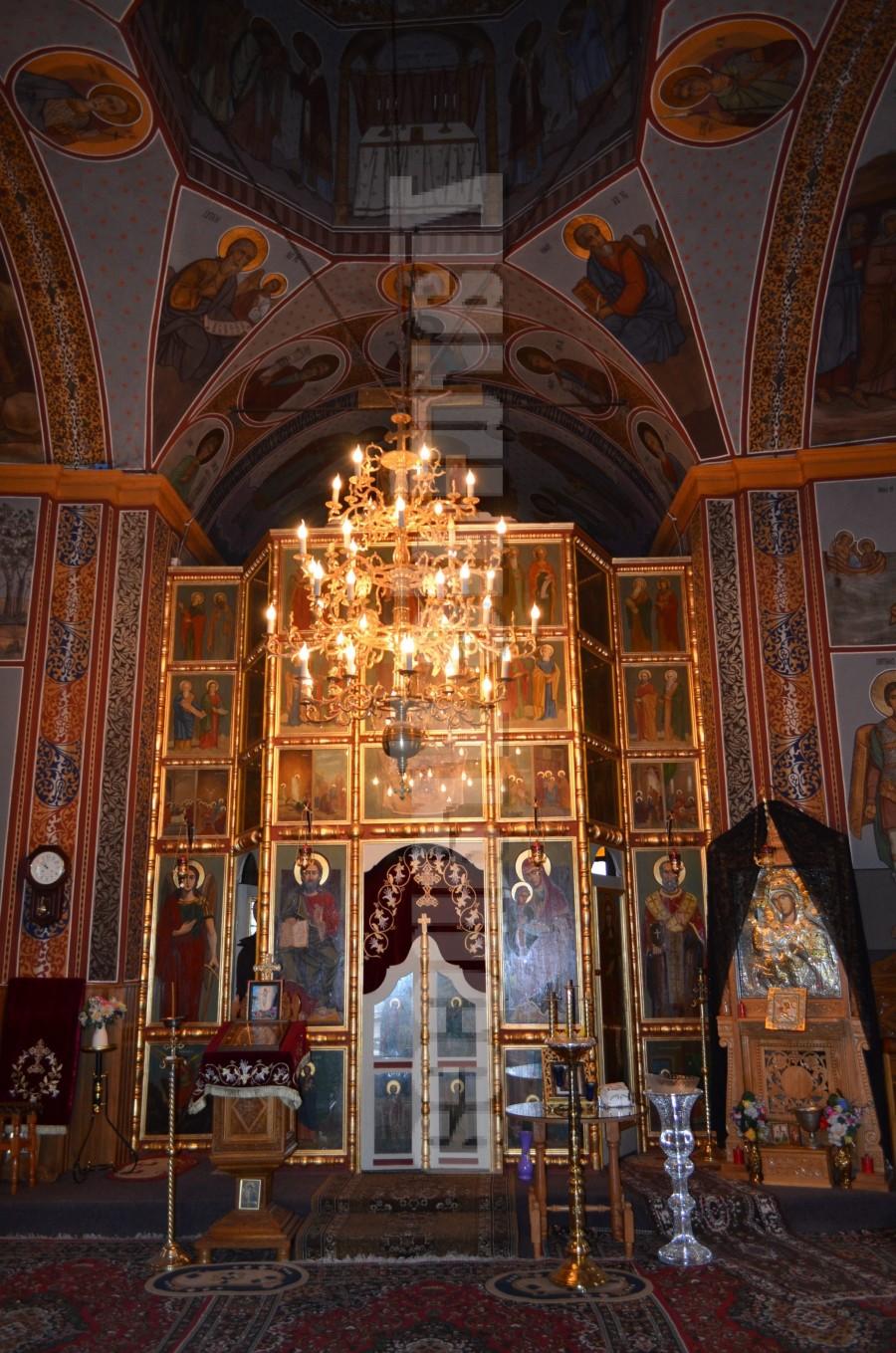 biserica sf. voievozi movilita (1)