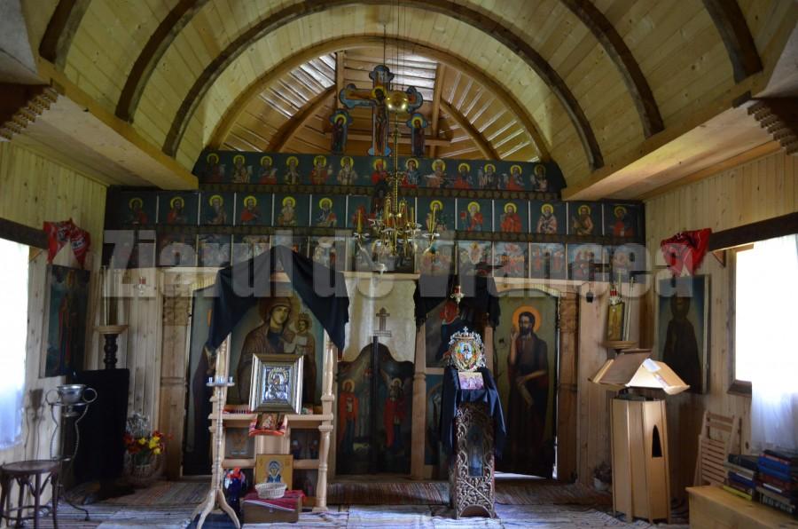 interior biserica lemn sf ioan botezatorul movilita (36)